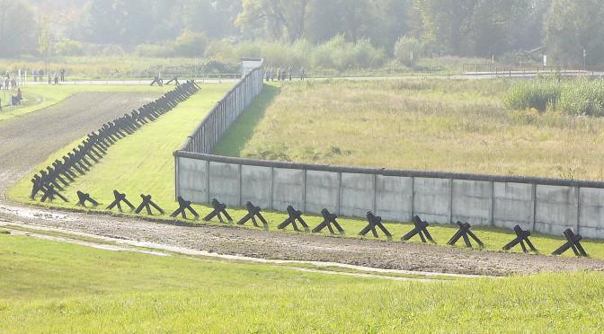 Erinnerungsstätte DDR Grenze - Wanderung entlang der ehemaligen Grenze der DDR - © andi-h/pixelio.de