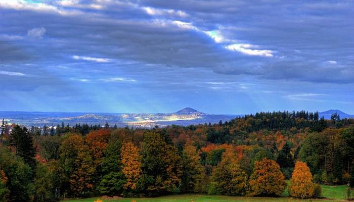 Der Hohenstaufen im Herbstlicht - ©Jeff/Fotolia.com