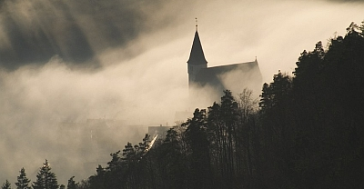 Geschichte zu Fuß © Donnerburg/Fotolia.com
