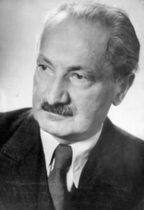Philosoph Martin Heidegger - Im zu Ehren wurde der Martin-Heidegger-Rundwanderweg in Todtnauberg initiiert