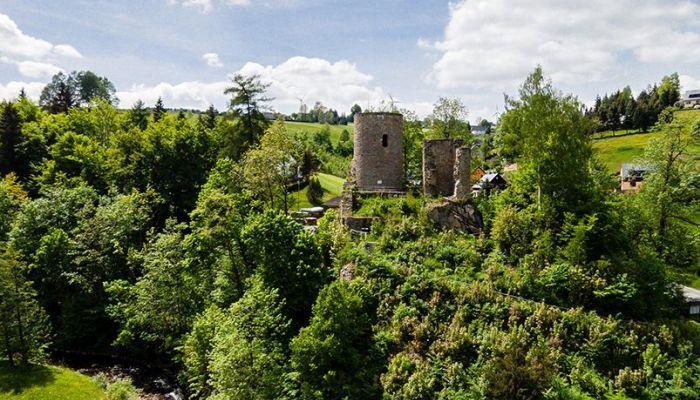 Burgruine Niederlauterstein bei Marienberg im Erzgebirge- © 360-Grad-Team